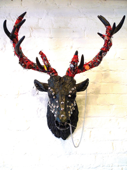 20150909115021-finn_stone__born_to_be_wild_-_stag__fibreglass___mixed_media__70_x_55_x_38cm