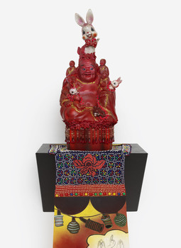 20150918201119-2015_2006_buddha_with_a_with_a_past_detail_2006_72dpi