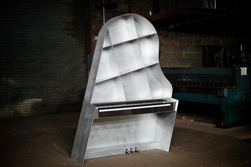 20150930113129-leaning-piano-design-maciej-markowicz-002
