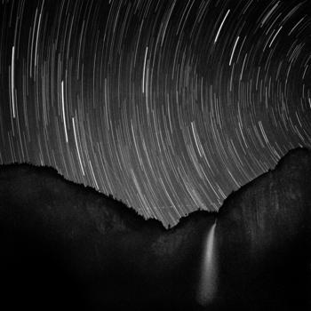 Star_tracks_over_yosemite_falls__94-8