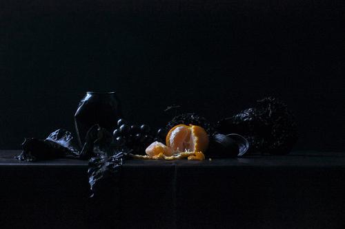 20151015184814-golacki_still_life_in_black_and_orange