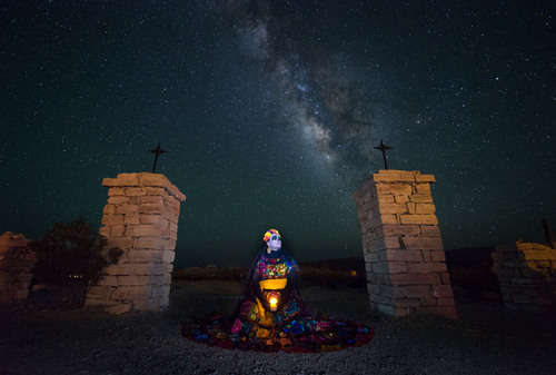 20151016133726-sergio_garcia_rill_-_the_elegant_skull_and_the_milky_way_-_photography_on_metal_-_16_inches_x_24_inches