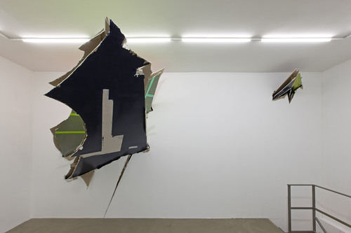 20151021171804-installation_view_mostra_felix_schramm__bent__spatial_intersection_2015