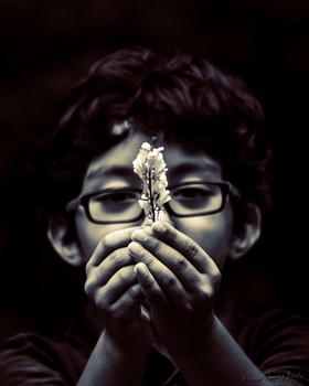 20151115172713-the_tender_childhood_-_manoj_kumar-sm