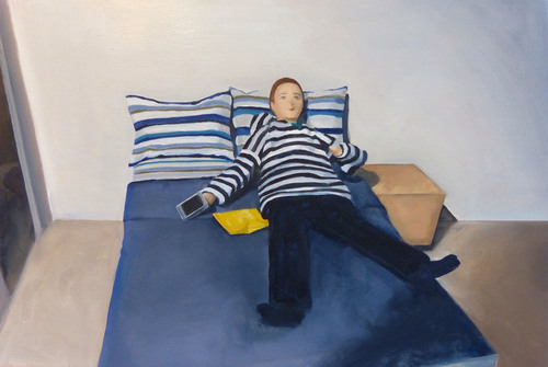 20151118212721-46_man_on_bed_with_chips__1_