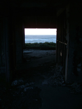 20160210173300-7-jason-engelund-house-of-perception-the-hallway-1