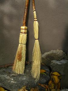 20160301151553-03_broom