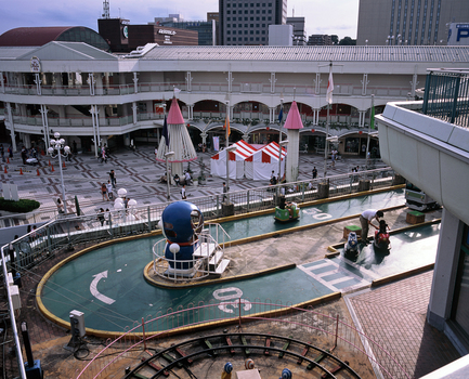 20160404070059-amusement_center_at_station_mall