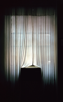 20160407154029-loft_window