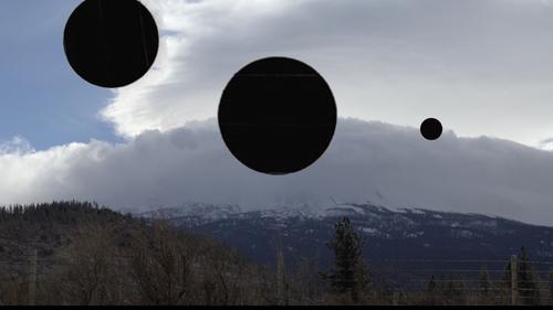 20160506195057-04_black_planets