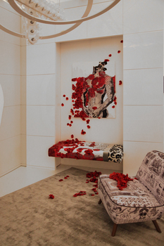 20160618151256-tina_psoinos_boudoir_installation