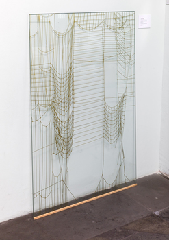20160621110021-leonor_antunes_-_looking_through_anni__2___7__and___8_-_85x128cm_-_two-coloured_silkscreen_on_glass_-_2014_-_ed