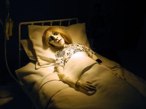 20160718232220-34_josiane_keller_-_billy_in_the_hospital_bed_32