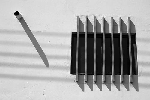 20160722182224-30x20-string-shadows-by-ordi-calder