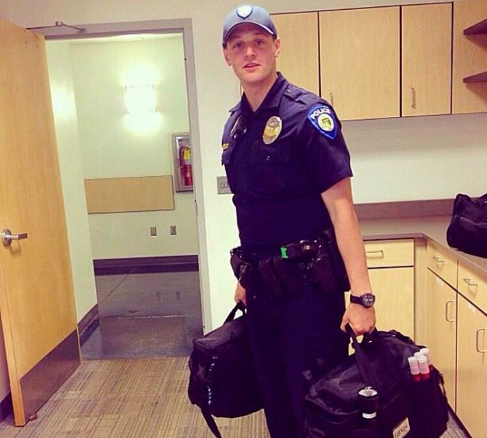 22564_Officer-Stewart-Ferrin-p.jpg (700×629)