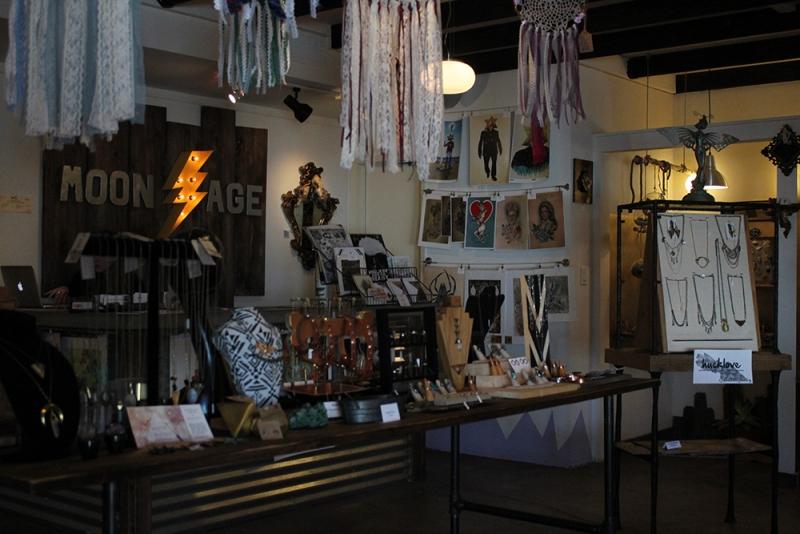 Moonage boutique