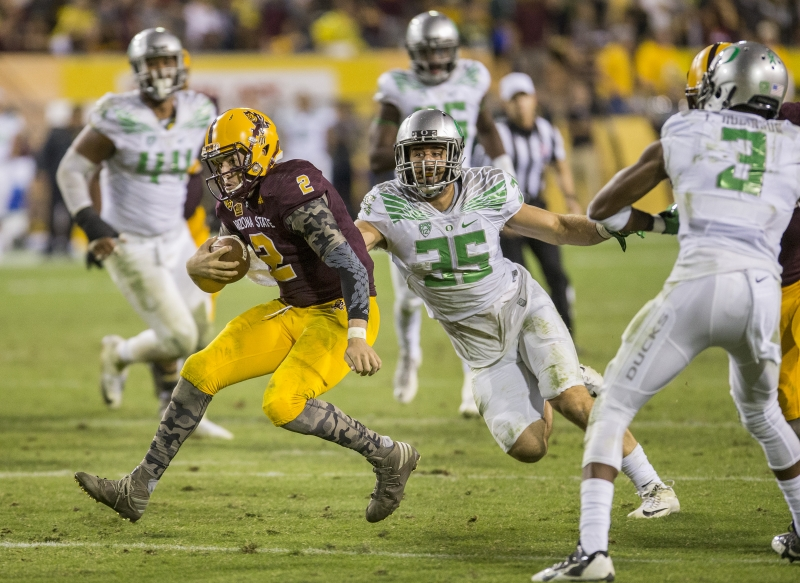 Football Oregon Mike Bercovici scramble