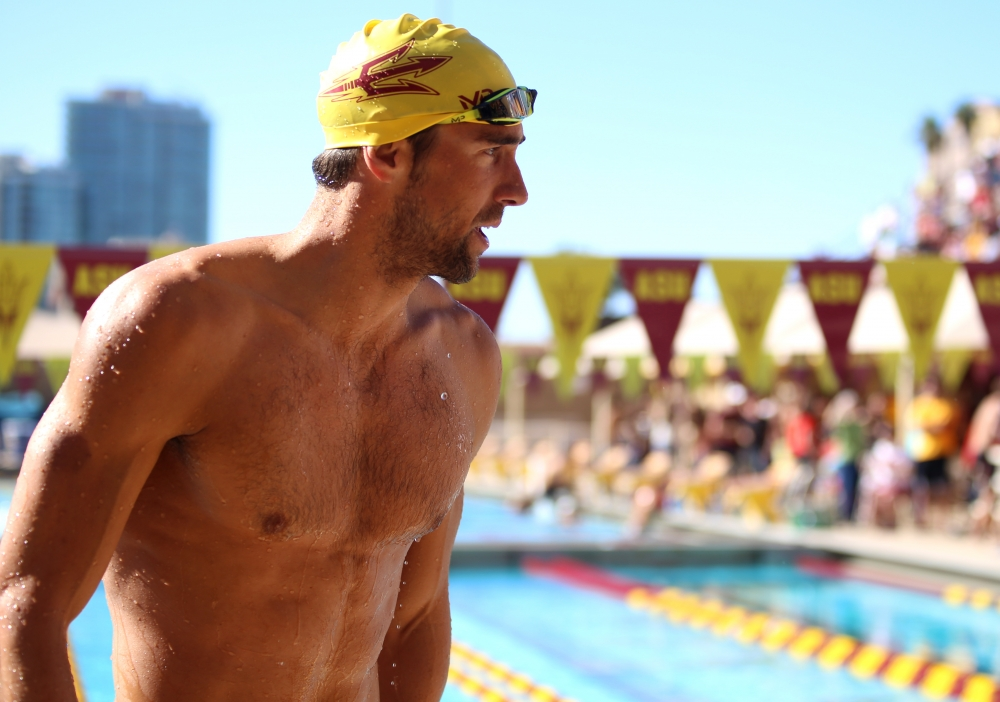 31443_phelps_getting_out_of_the_waterf