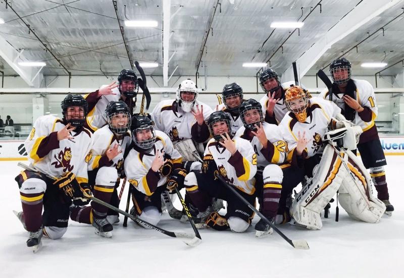 Womens Hockey Squad Pic