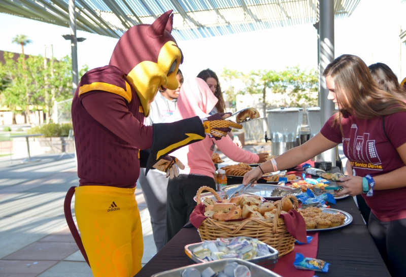 USGD is funding free breakfast for students at downtown Phoenix's football ticket booth