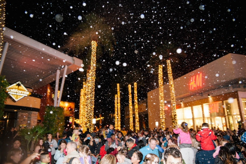 Nightly Snowfall at Tempe Marketplace