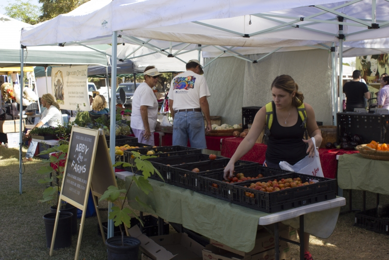 Clark park farmer 39 s market offers a unique local feel - Market place at garden state park ...