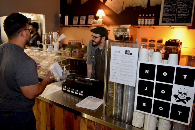 Customers weigh in as Jobot Coffee reopens at new Roosevelt location