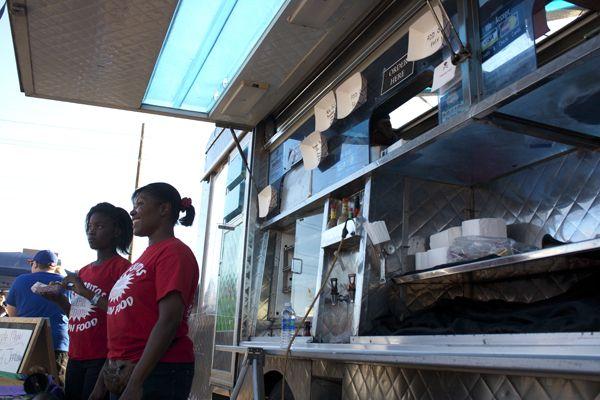 10.24-Food-Truck