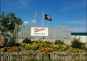 Mueller High Life farm photo