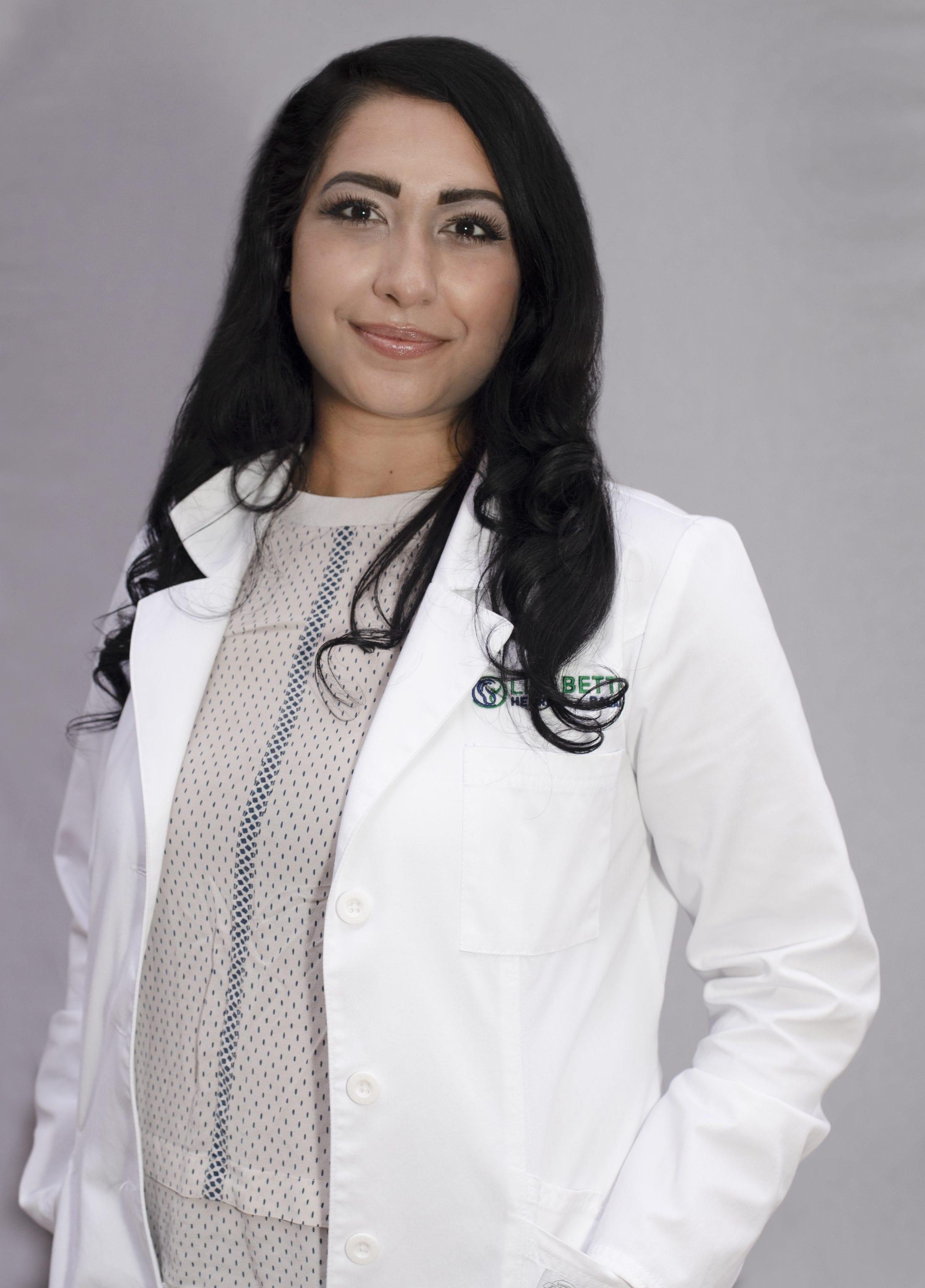 Alyssa Bhat headshot 4