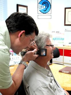 hearing test ear exam02