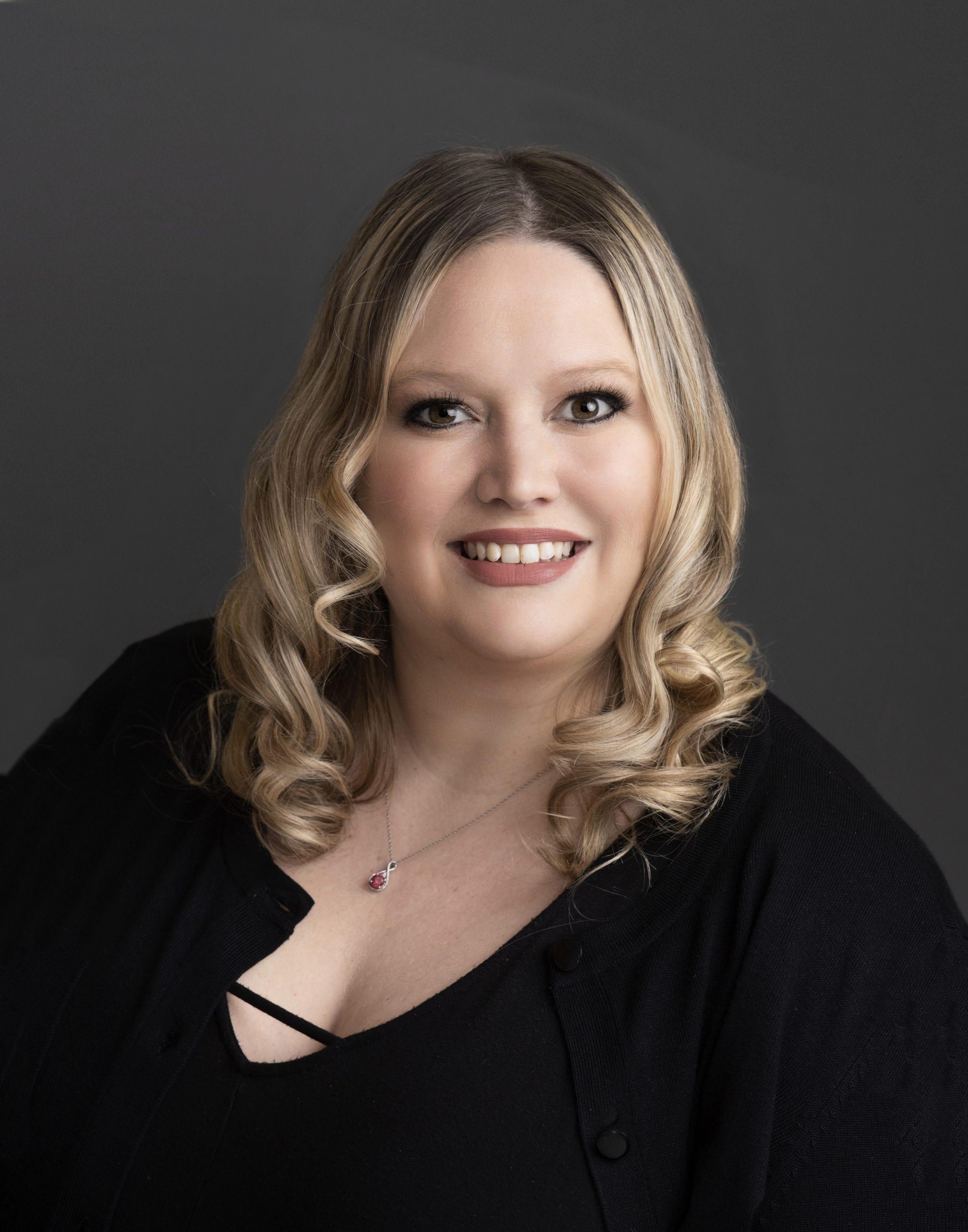 Lyndi Douglass : Audiology Assistant