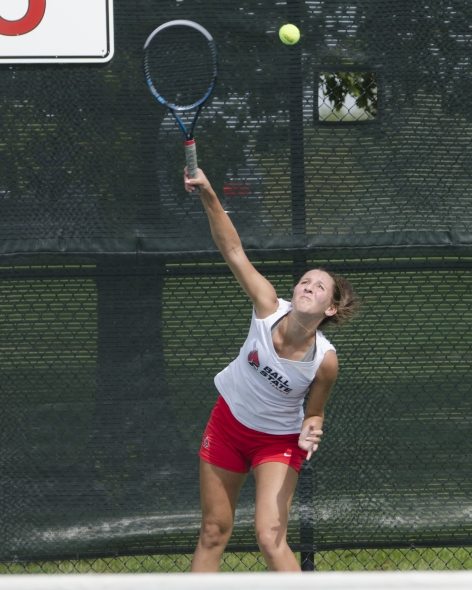 Men's, women's tennis continue preparation for spring season