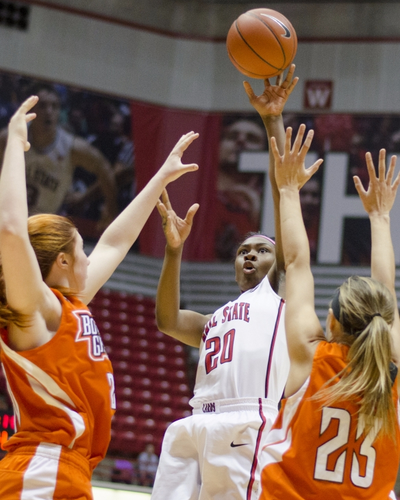 Defense carries Ball State women's basketball to 84-49 victory over Evansville