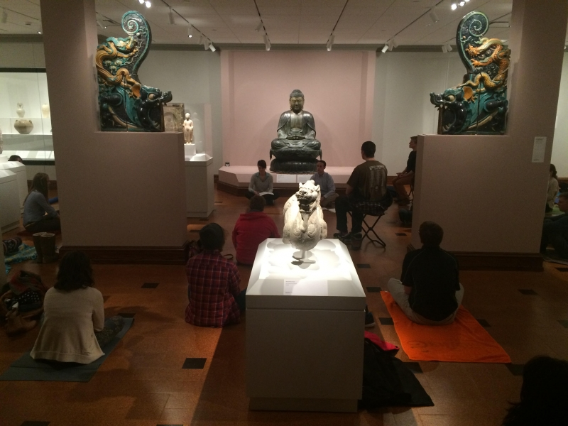 Students and faculty de-stress with museum meditation