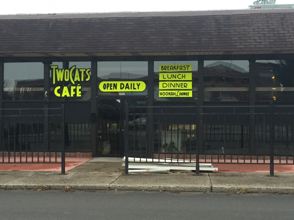 Two Cats Cafe Takes Place Of Locker Room Bar Ball State