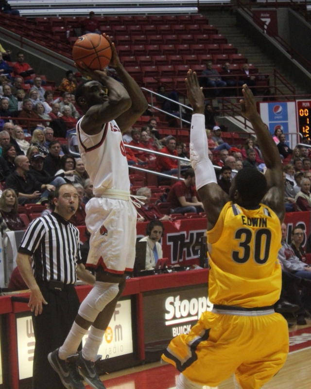 Ball State men's basketball escapes Eastern Michigan with an 88-87 buzzer beater