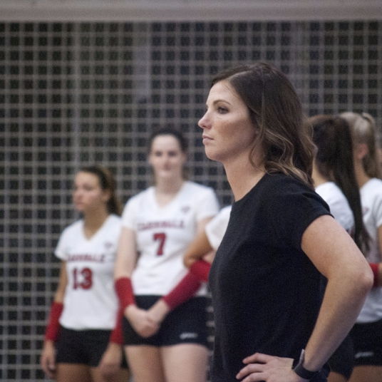 Women's volleyball drops opener to Youngstown State Penguins in straight sets