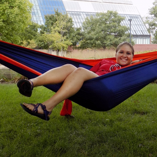 Hammocking, the new trend on campus