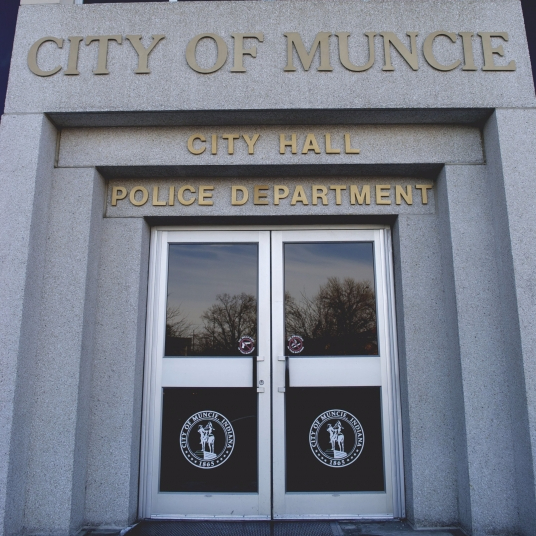Muncie man shot dead in attempted apartment invasion