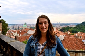 Travel blogger, alumna shares passion for travel, highlights Muncie