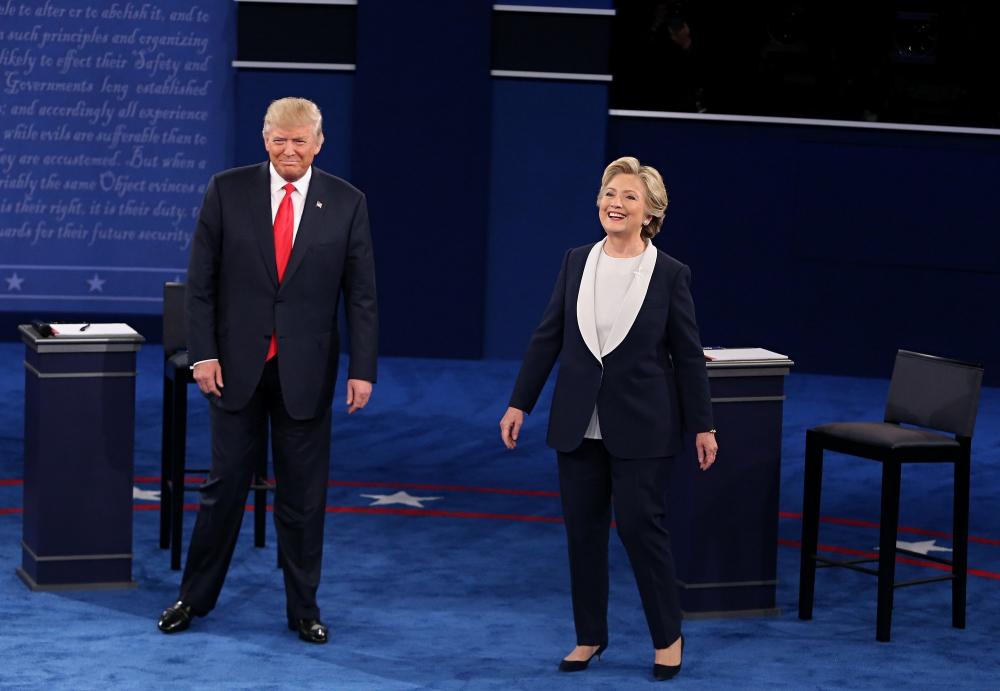 As Trump falters, more Republicans say they'll block Clinton