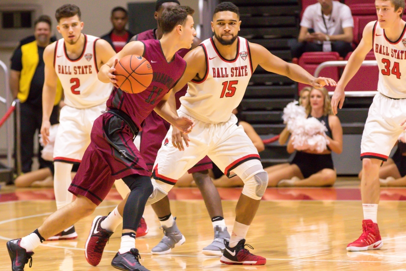 Ball State men's basketball shoots lights out in St. Louis