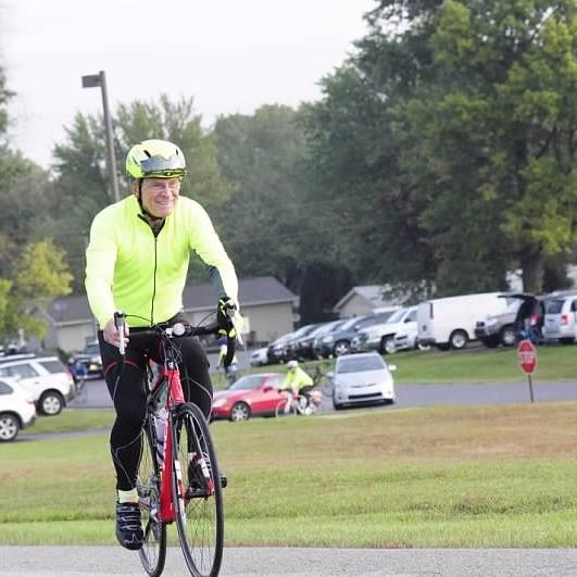 Muncie mayor promotes cycling in community