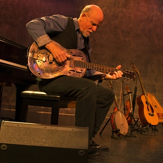 Six-time Grammy nominee John McCutcheon to play at Emens