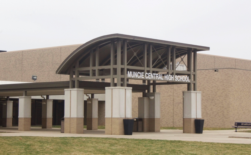Muncie School District in deficit spending, sparks protest