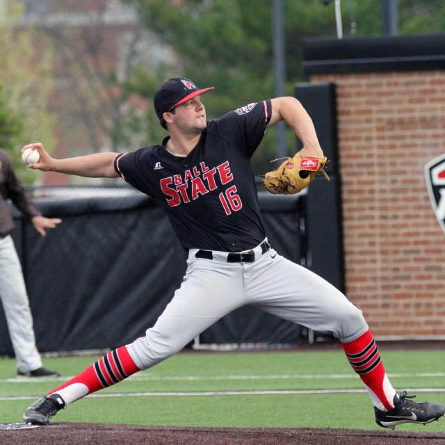2 Ball State baseball players win weekly MAC awards