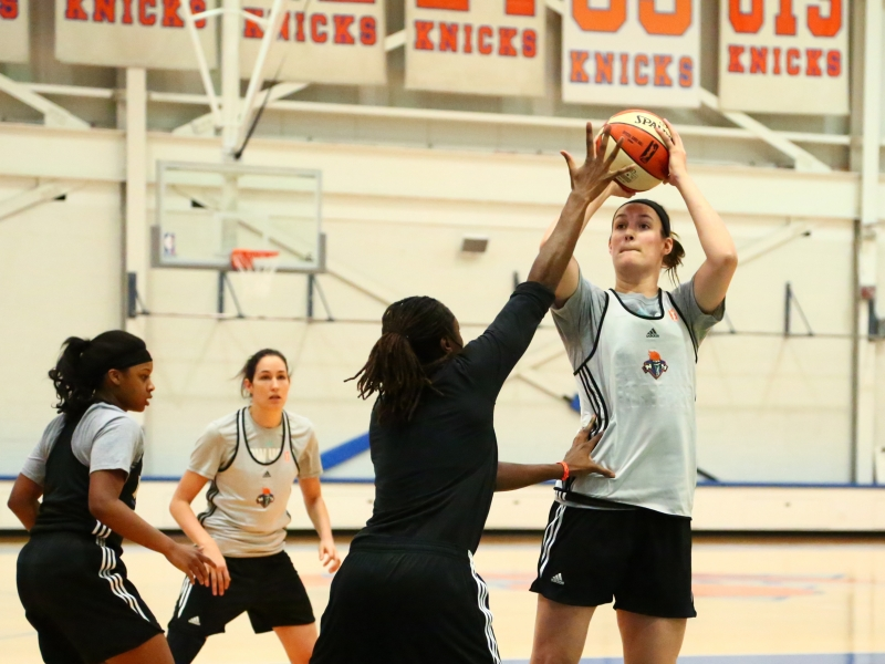 Renee Bennett takes part in New York Liberty training camp