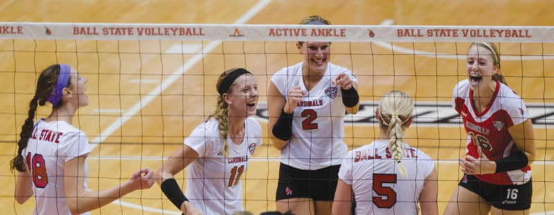 WOMEN'S VOLLEYBALL: Road trip tests volleyball team