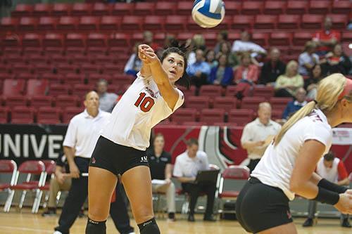 WOMEN'S VOLLEYBALL: Freshman makes collegiate transition